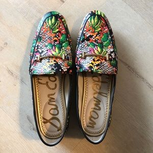 Brand new tropical print Sam Edelman flats